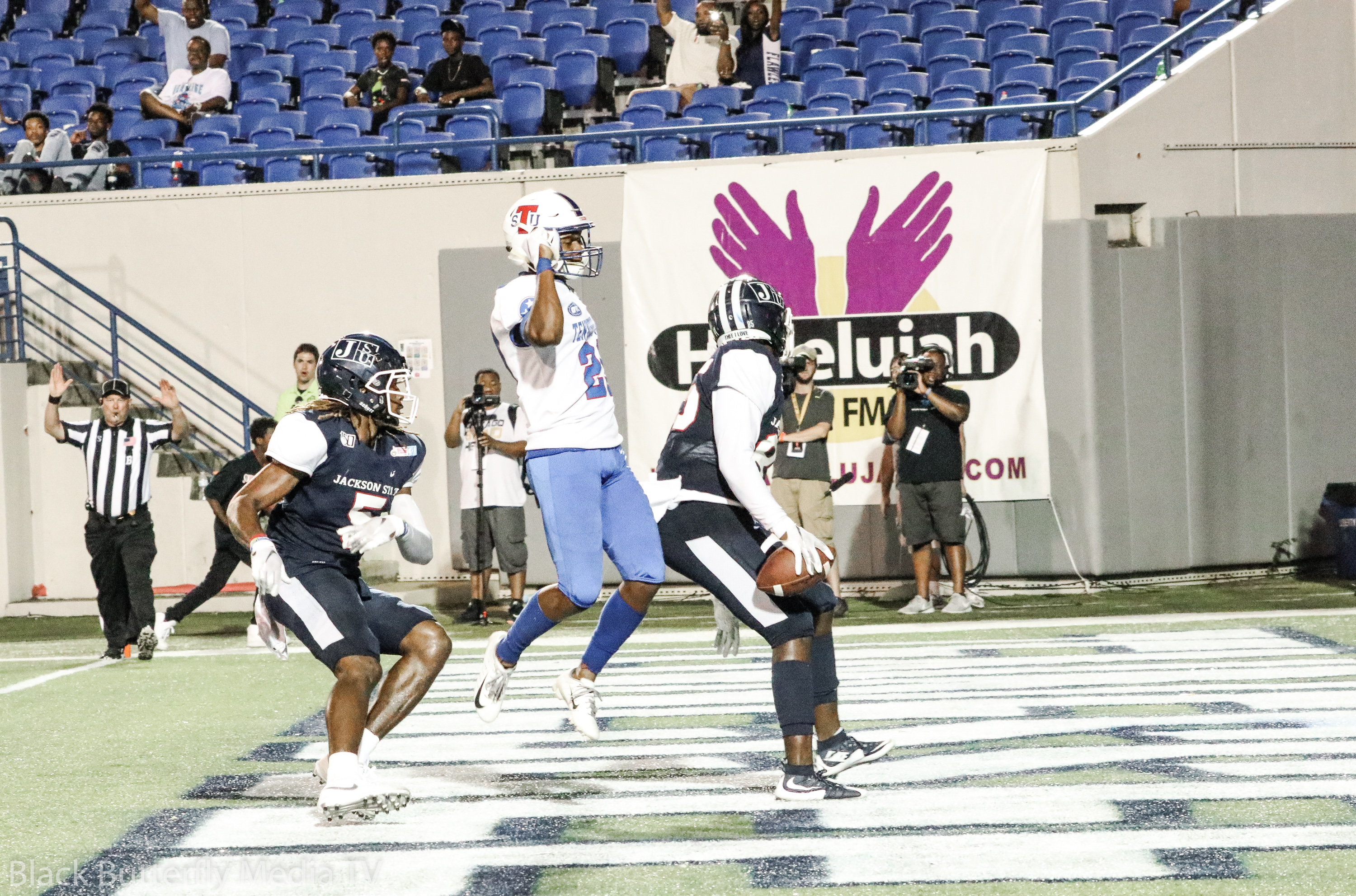 Jackson State University Tigers Kylan Richey makes touchdown against TSU Tigers