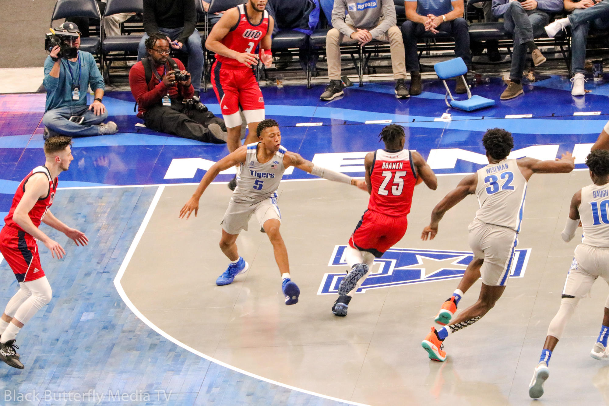 Memphis vs UIC game – Boogie Ellis