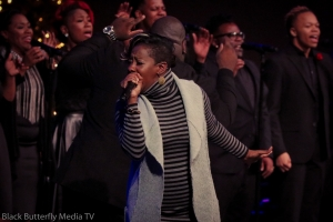 Le'Andria Johnson singing at 95.7 Hallelujah FM Worship Christmas.