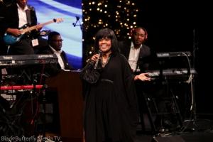 Ce Ce Winans at A Worship Christmas